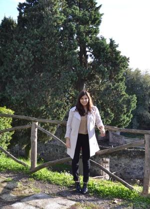 Andrea, Petite Fashionista